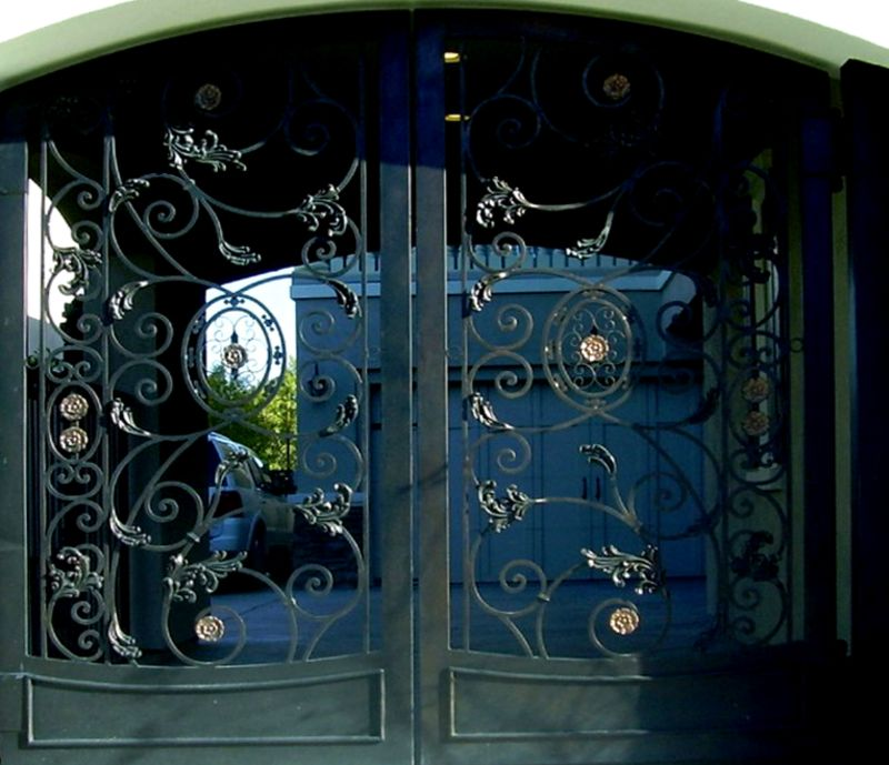 Traditional Double Gate - Item FavelaDG0263 Wrought Iron Design In Las Vegas
