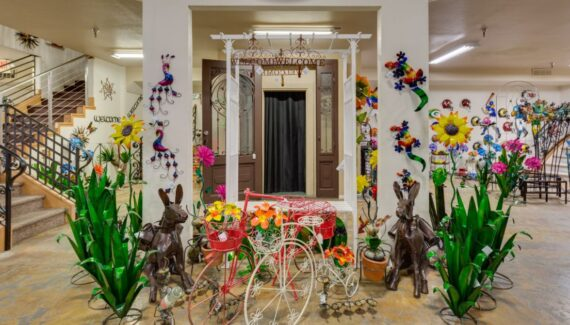 Artistic Iron Showroom Of Home Decor